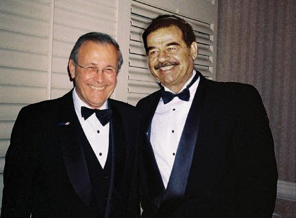 Rumsfeld met Saddam Hussein